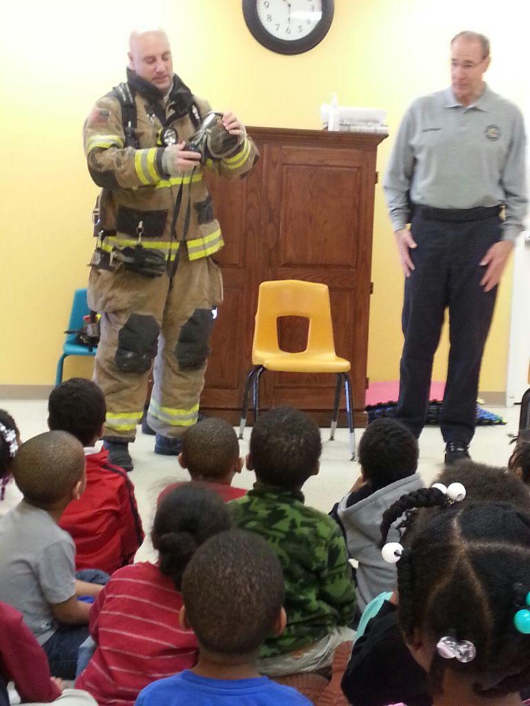 community helpers firefighter 2014